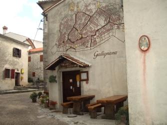 Croatia 2011 Gracescki oldest restaurant IMGP2135