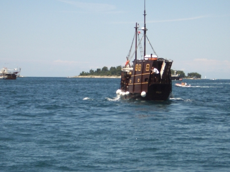 Croatia 2011 Pula boat IMGP2184