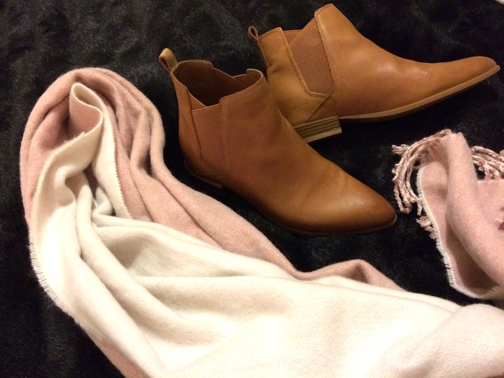 Tilly flat boots winter 2017 scarf Nine west H&M