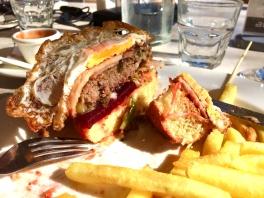 Shepparton brunch burger Aussie Hotel 2017