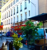 Melbourne Flinders Lane a Nov 2017 tourist red bus