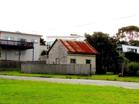 Apollo Bay shack house 30 apr 2019