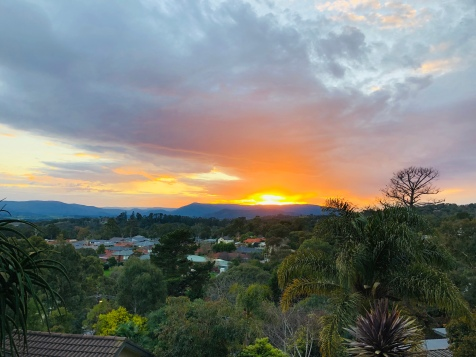 Lilydale gold red sunrise 16 Aug 2019